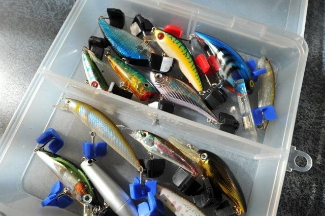 【必見!】100均ダイソーで買えるルアーとルアーで魚を釣る ...